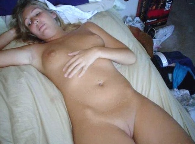 hunting party nude scenes