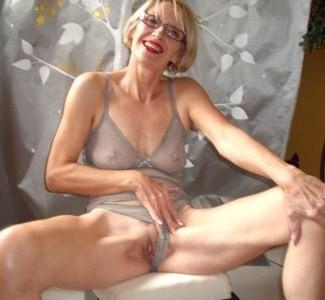 Seins femme 33 ans